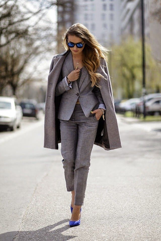 Really loving this grey pant suit paired with a gorgeous pair of electric blue pumps.