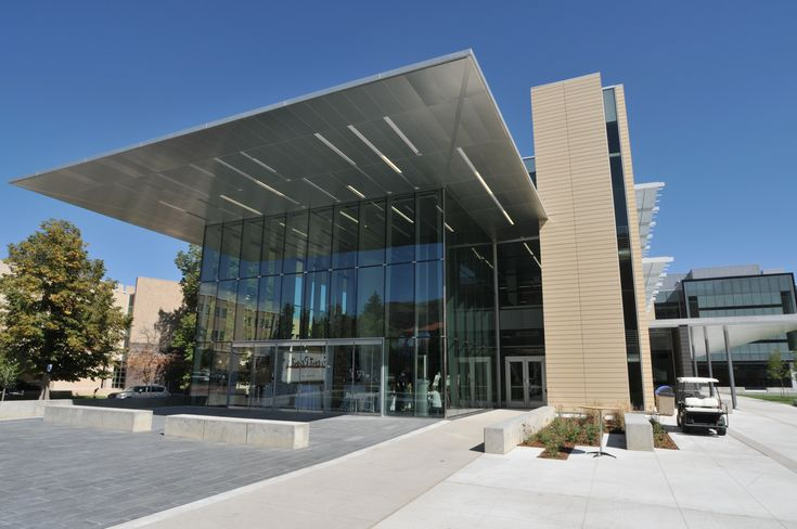 Building Entrance Canopies With Linear Recessed Fixtures 2 3