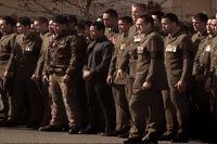 Видео. Танец хака https://mensby.com/video/entertainment/2466-comrades-huge-haka  Новозеландские военные из батальона 2/1 RNZIR выполняют танец хака, отдавая дань памяти и уважения погибшим бравым товарищам в Афганистане.