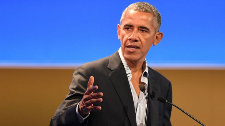 Former President Barack Obama posted a series of tweets Friday sharing positive news stories from 2017.