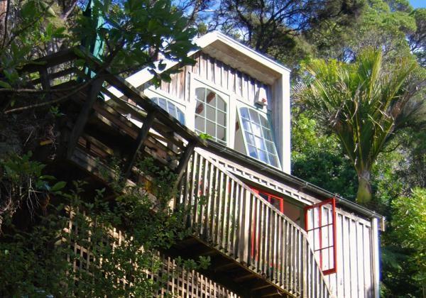 Top Hut, Coromandel » Canopy Camping