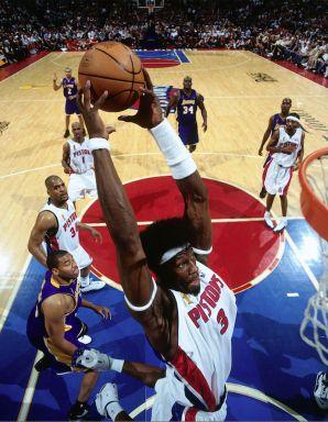 Ben Wallace dunk Detroit Pistons