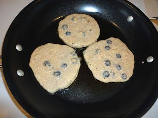 Healthy Blueberry Oatmeal Pancakes