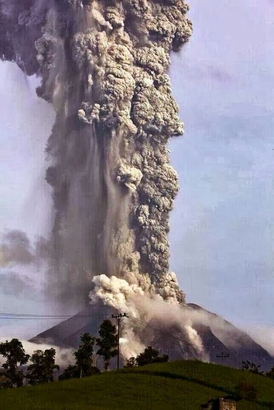 Eruption at Sumatra's Mount Sinaburg