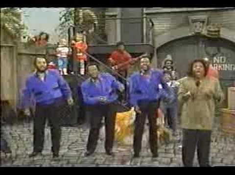 """Gladys Knight & The Pips """"Sesame Street Theme"""" (1988) - YouTube"""
