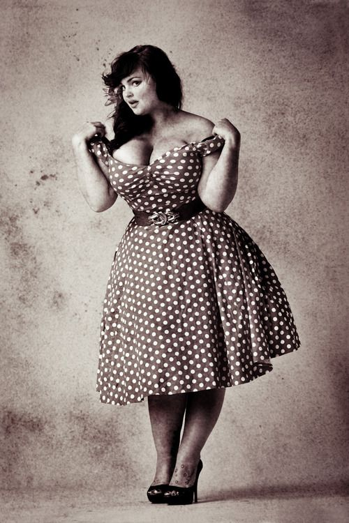 Voluptuous pin up girls