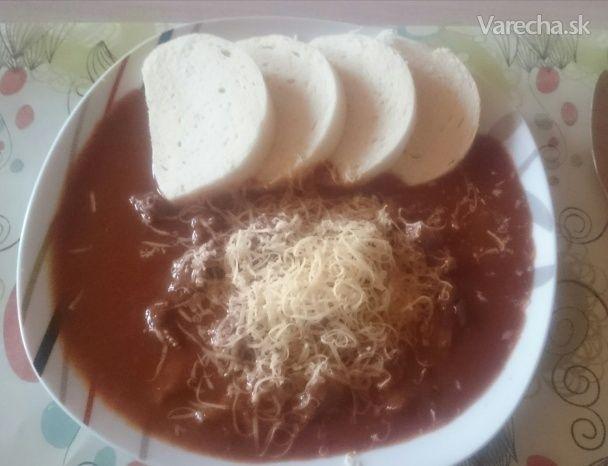 Hovädzie s paradajkovou omáčkou a brusnicami - Recept