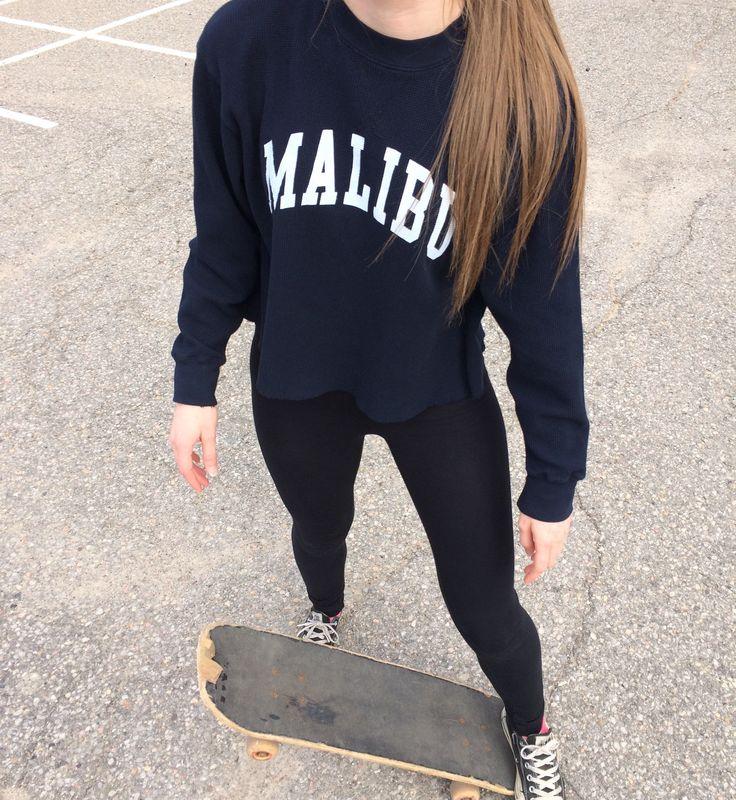 Teen fashion. Brandy Melville. Tumblr outfits. Malibu. Skater girl. Brandy Melville outfits. Teen Tumblr girl fashion.