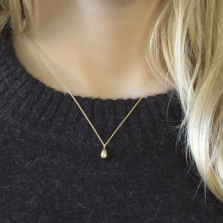 Elsa Storm - Teardrop Necklace Gold A tear can symbolize the beginning of joy and sometimes the end of it. Wear your story and reminders close to heart. Fall in love with this timeless necklace! With a powerful and emotional symbol, the Teardrop necklace is designed to be worn alone.