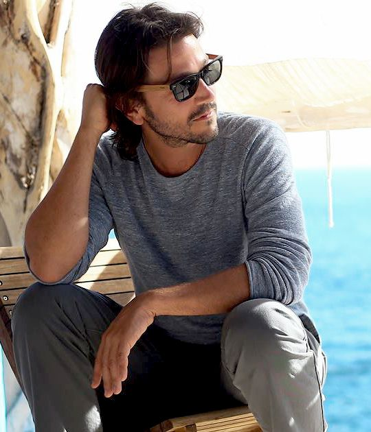 Welcome to DiegoLunaDaily your #1 source for Diego Luna on Tumblr.