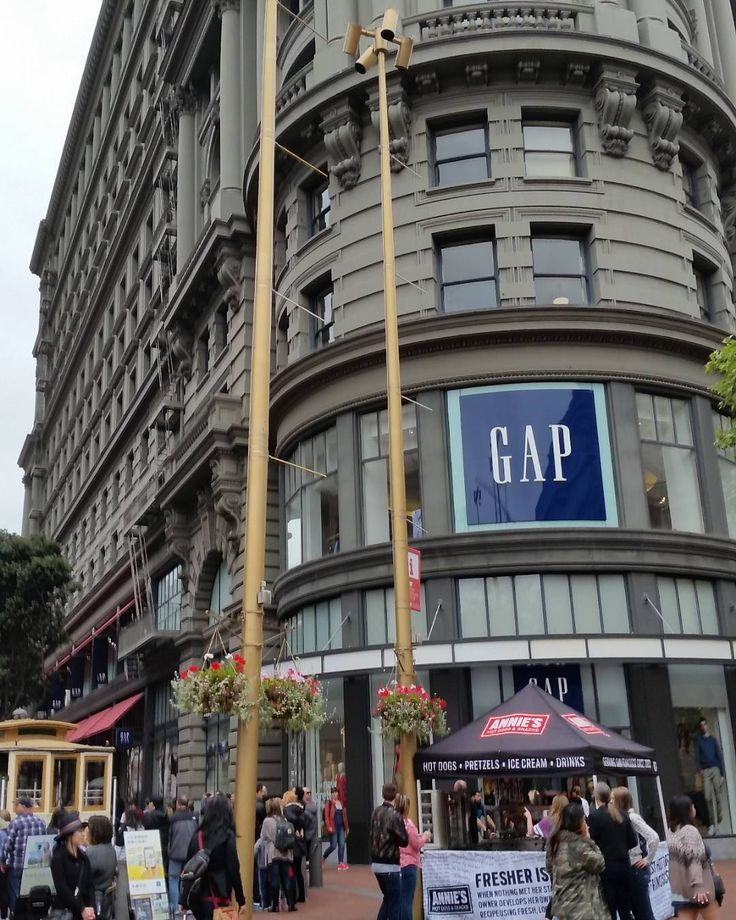 Big Ass Gap Store in Downtown San Francisco by sean_wolenski
