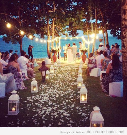 Decoración de boda al aire libre por la noche