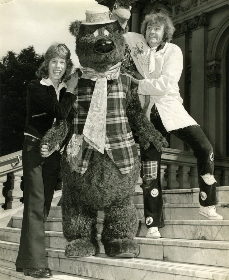 Greg Bepper (Host) - Cartoon Corner -Channel 9 1973 - Sydney Lord Mayor's Childrens Christmas Party with Humphrey B Bear and Marty & Emu