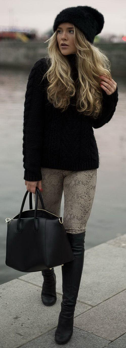 Pants - Zara / Cap - Wink / Sweater - JLindeberg / Boots - PUB / Case - Chiquelle
