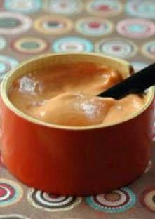Mélangez la farine avec 10 g de beurre, à l'aide d'une fourchette et réservez.Pelez...