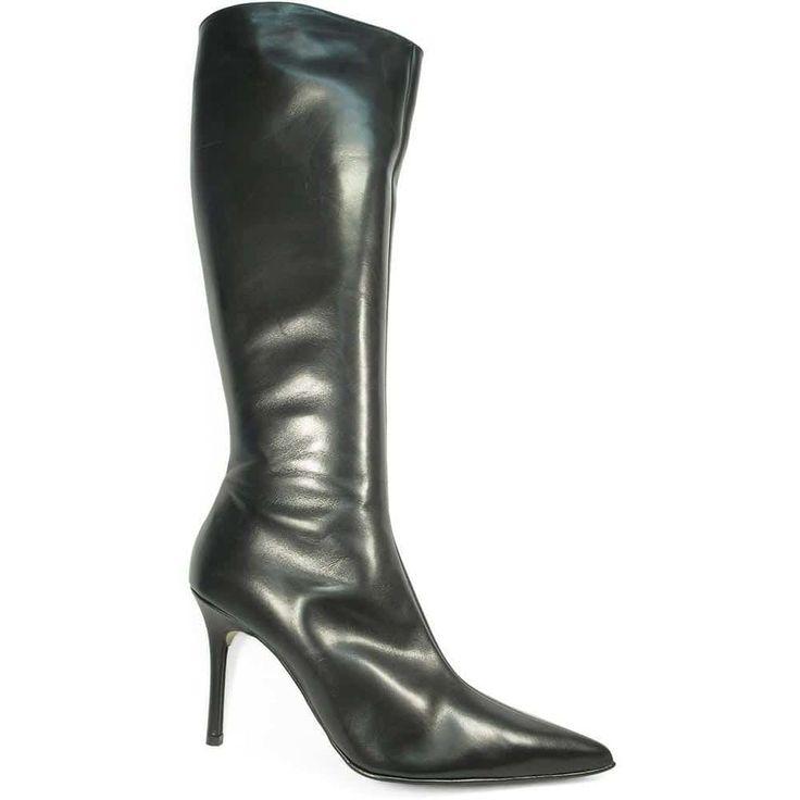 #bottes #grandetaille #grandepointure #femme #mode  #talonhaut  #talonplat  #gay #travesti  #chaussure #chaussurefemme  #confort