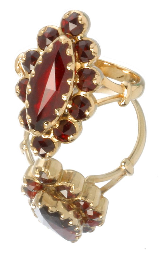 bague marquise traditionnelle