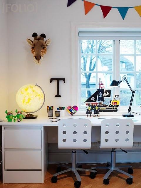 think we should build one of these officearea mresg253 - Boys Desk Ideas