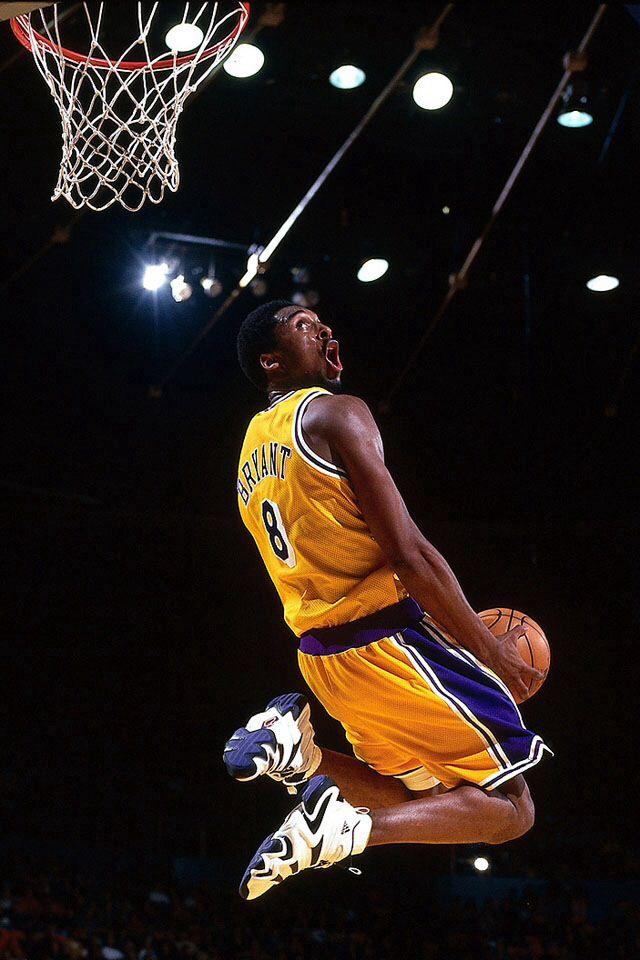 buy online 86fbe 9e6ec Kobe dunking   le sport   Nba wallpapers, Kobe bryant dunk, Kobe Bryant