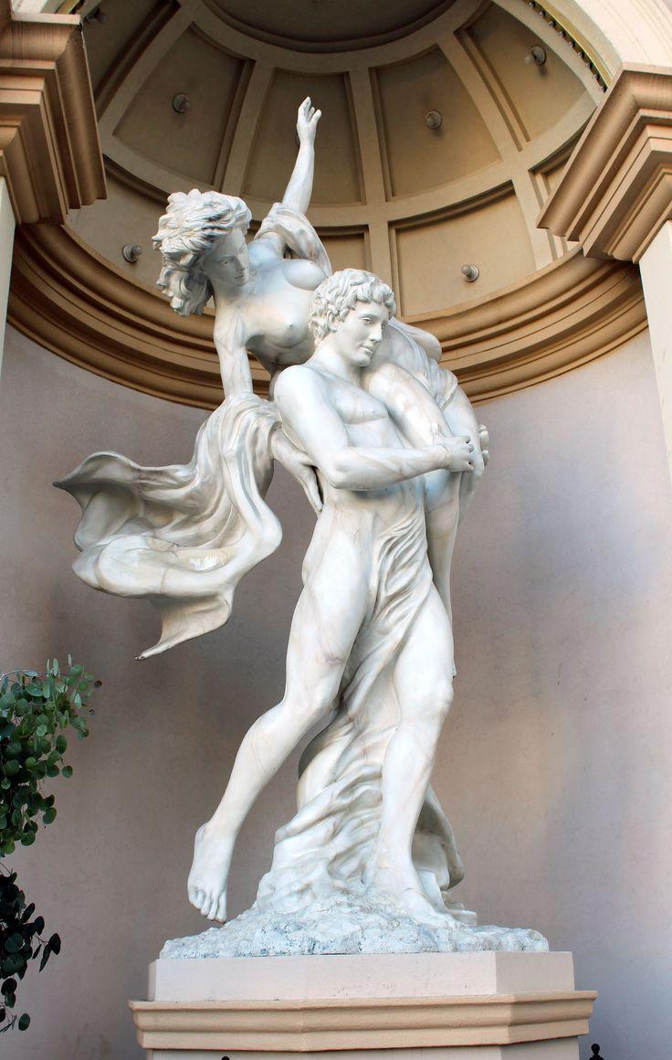 Statues  Caesar's
