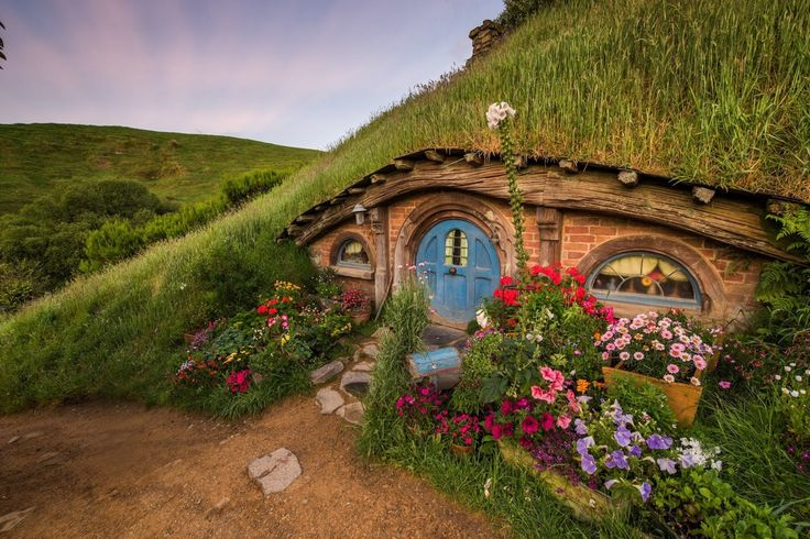 1000 images about bag end and the shire on pinterest hobbit door lotr and middle earth. Black Bedroom Furniture Sets. Home Design Ideas