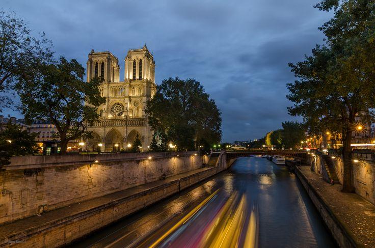 Notre Dame long exposure