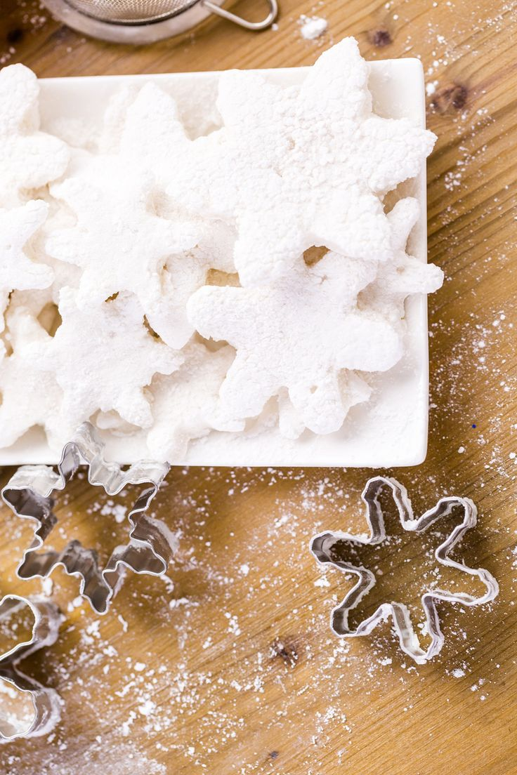 Diy christmas party decorations - Snowflake Christmas Party Ideas