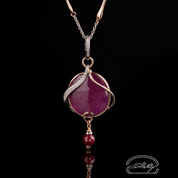 """Ciondolo Rubino e Diamanti - Ruby Pendant and Diamonds - Precious Jewelry - Jewels - Silvia Kelly Gioielli """"The Made in Italy - Italy - www.quelchevale.it"""