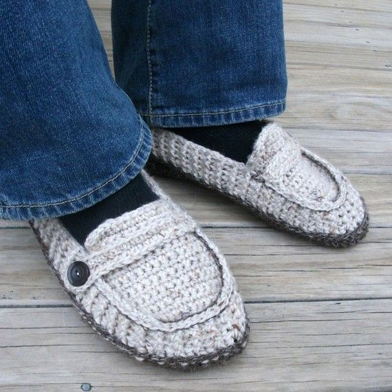 men's loafer crochet patternModern But, Lisa Vans, Vans Klaveren, Men'S Loafers, Slippers Crochet, Men Loafers, Crochet Patterns, Christmas Gift, Crochet Knits