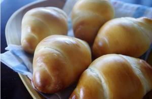 バターロール | お菓子・パンのレシピや作り方【corecle*コレクル】