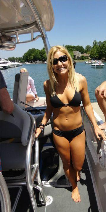Anna Kooiman in Bikini on Bondi Beach Pic 4 of 35