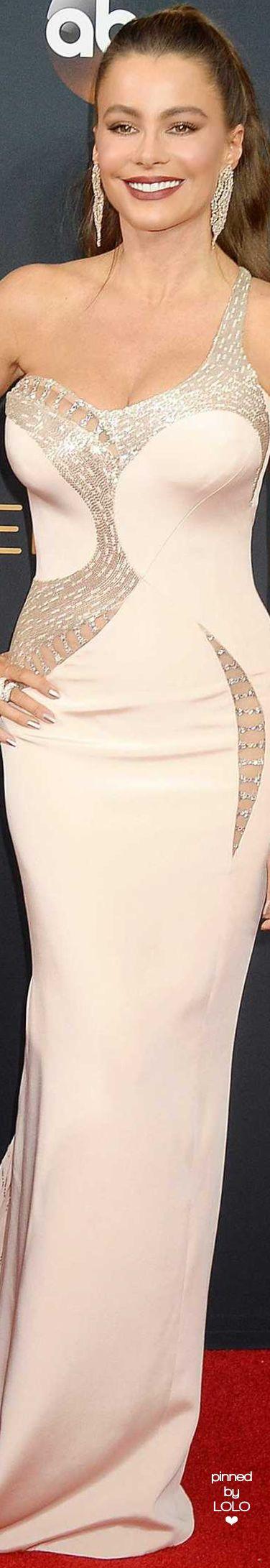 Sofia Verfara in Versace   LOLO❤︎