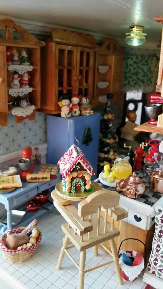 Christmas in Miniature 1:12