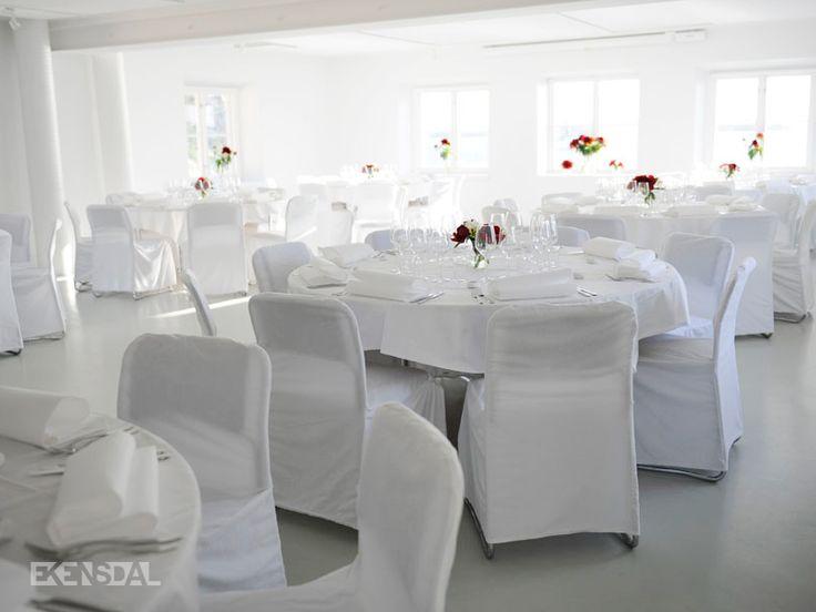 På Ekensdal arrangerar vi bröllop, fester, matlagningskurser, konferenser och annat välsmakande.