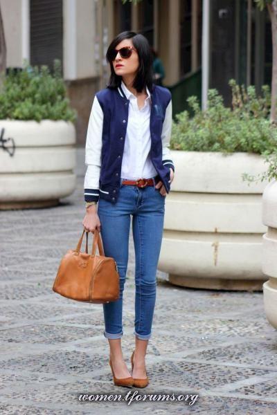Бомбер, белая рубашка и джинсы  | белая рубашка + джинсы