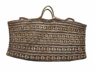 ME000293 Kete Whakairo (bag)