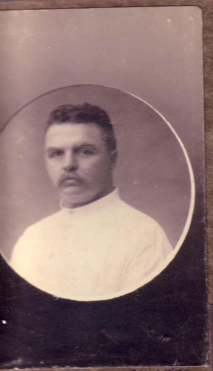 Eed Schoevers, de vader van Beata. Later werkzaam als administrateur en eigenaar van een stoomrijstpellerij te Kertosono (Midden-Java)