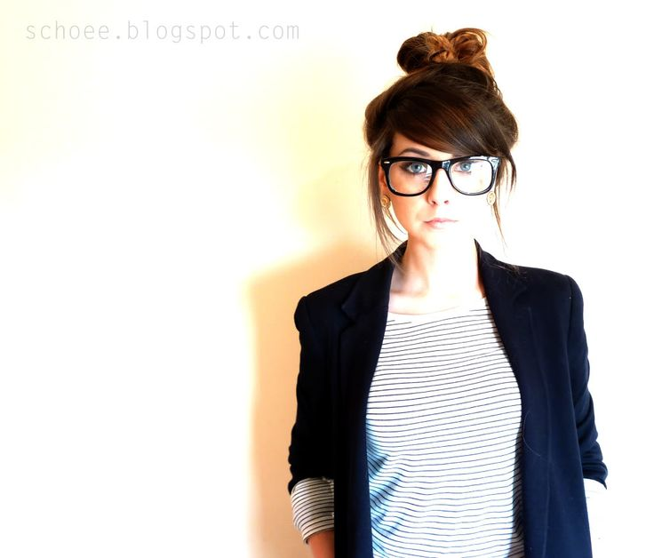 loving everything about this look--clothes, hair, glasses, makeup, etc. adorable!