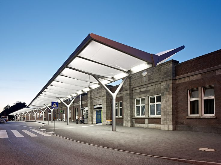 Bus Station Hamburg-Barmbek – Membrane canopy of inflated ETFE foil cushions…