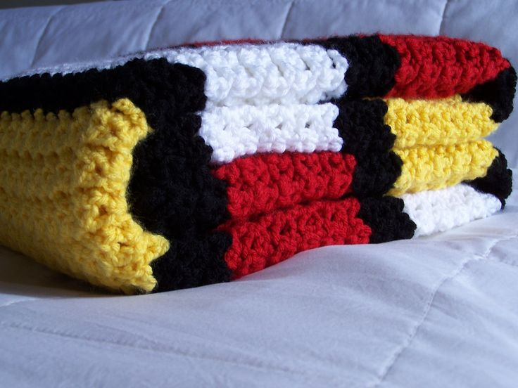 Mickey Mouse Crochet Baby Blanket Pattern : 36 best images about mickey & minnie mouse crochet on ...