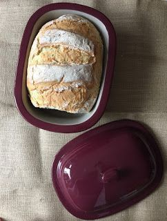 Dieses Brot ist so wunderbar schlicht ,            dass es anPerfektion nicht zutoppen ist . Den...
