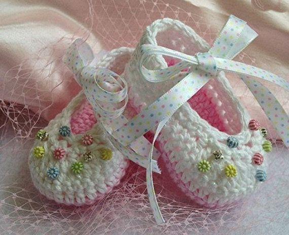 Ganchillo bebé botines, botitas de bebé niña, blanco y Rosa botines