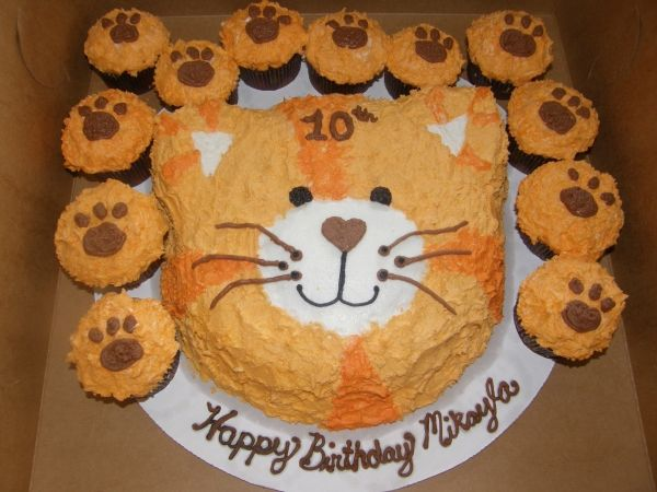 Best 25 Paw Print Cakes Ideas On Pinterest Puppy Patrol