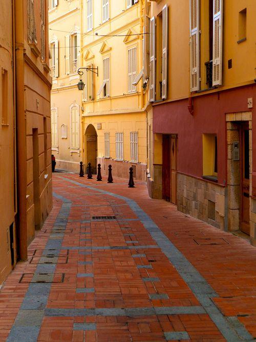 Street View - Monaco (by L F Ramos-Reyes)