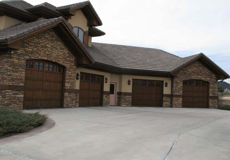 Traditional Garage With Carriage Door Classic Line Owens