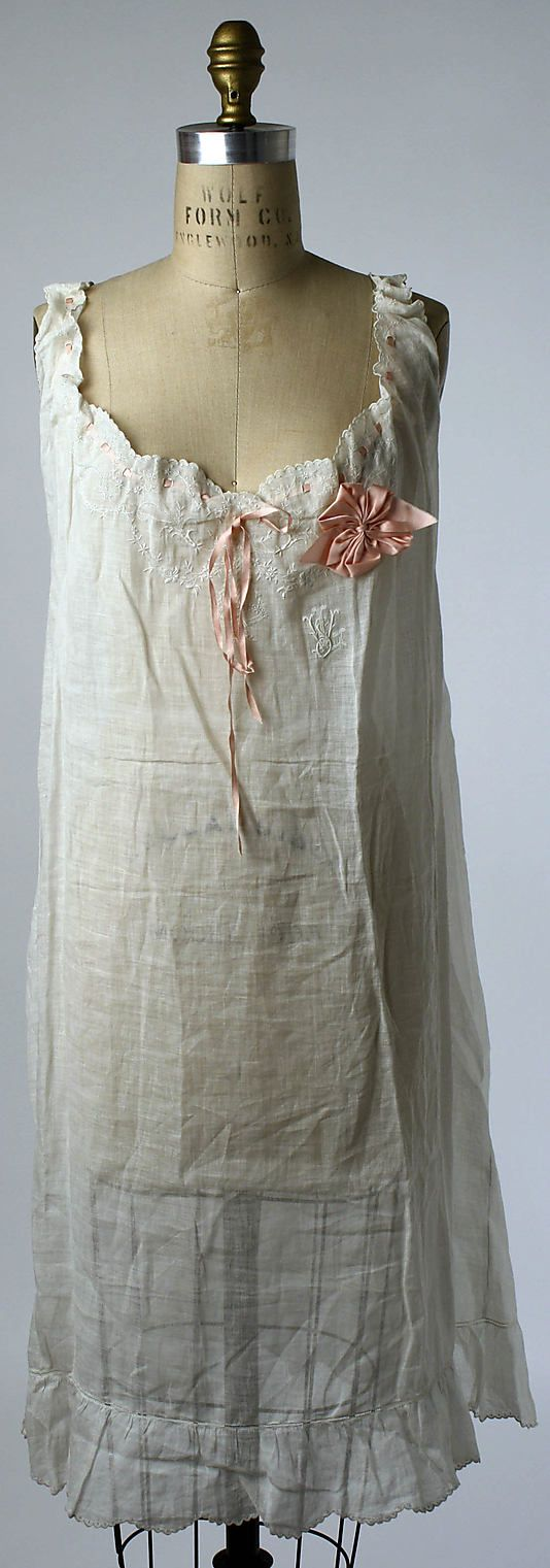 Chemise Date: 1910s Culture: American or European Medium: [no medium available] Dimensions: [no dimensions available] Credit Line: Gift of Mrs. Samuel Liebmann, 1941 Accession Number: C.I.41.52.22