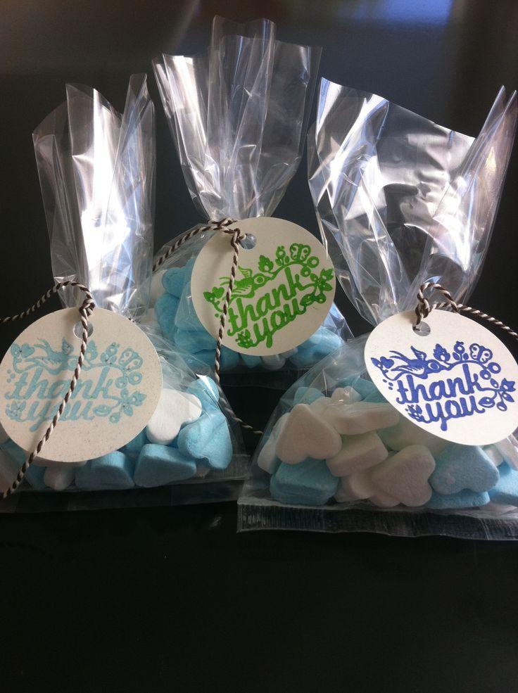 Geboortebedank zakjes, een leuk zakje om aan het kraambezoek te geven. Ook kunnen ze goed gebruikt worden voor een geboorteshower of kraamfeest! De jongens zakjes zijn in licht blauw, donkerblauw en groen.