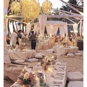 Renovacion de votos, en un ambiente muy relajado y bohemio. Asi da gusto! http://ideasparatuboda.wix.com/planeatuboda #weding #boda #mariage