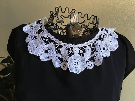 Edwardian Bruges Lace Collar in Perfect Condition