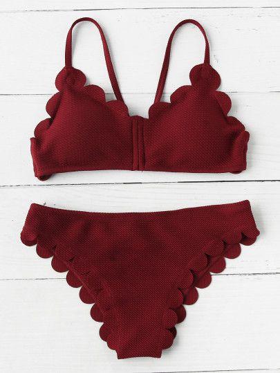 Set di bikini con fondo smerlato